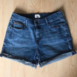 "Size 8 Levi's 515 Stretch cutoff shorts. 4"" inseam"
